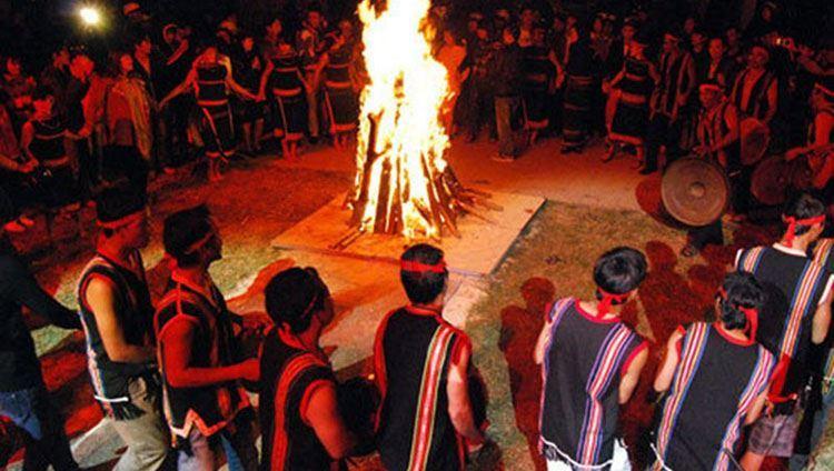 Lễ hội cồng chiêng trong tour giao lưu cồng chiêng đà lạt