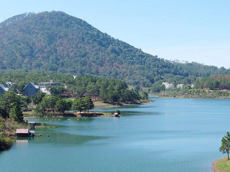 tuyền lâm lake Đà Lạt