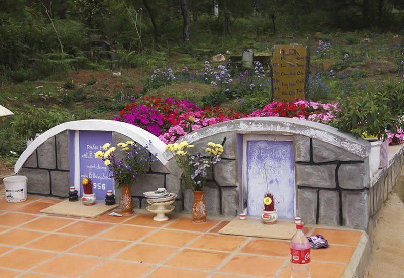 Đồi thông hai mộ Đà Lạt