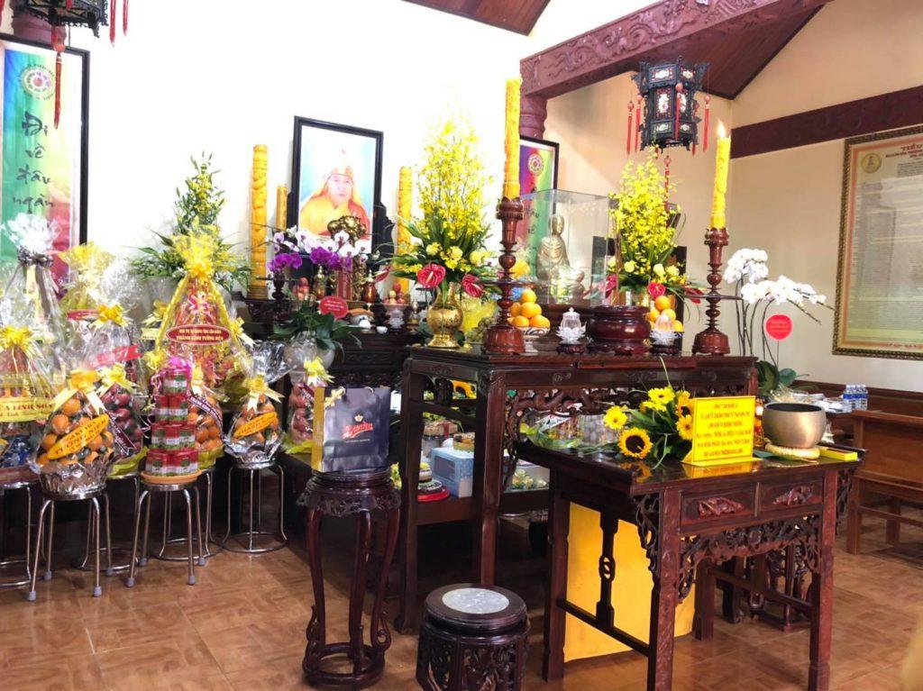 không gian chùa Linh Sơn Đà Lạt