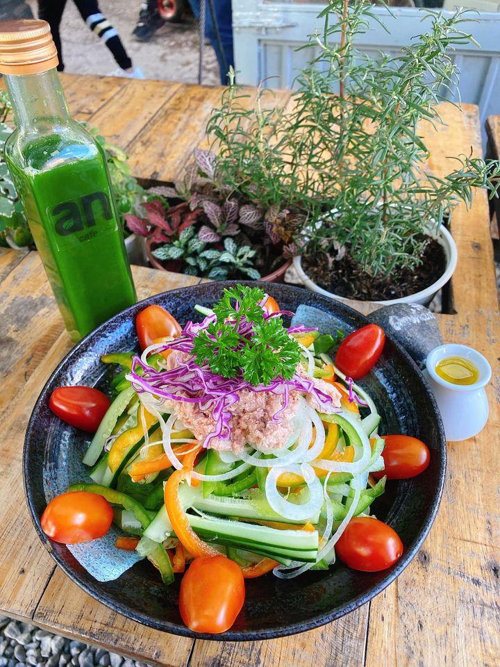 salat trộn ở an cafe