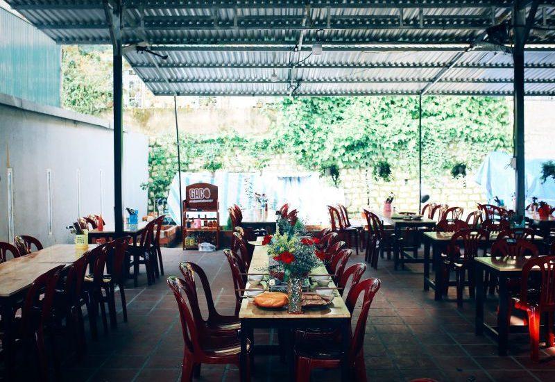 không gian quán hmong ấm cúng